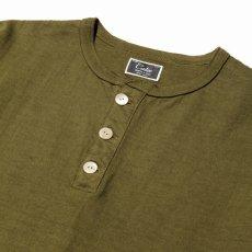 画像2: CALEE / Henley neck t-shirt -OLIVE- (2)